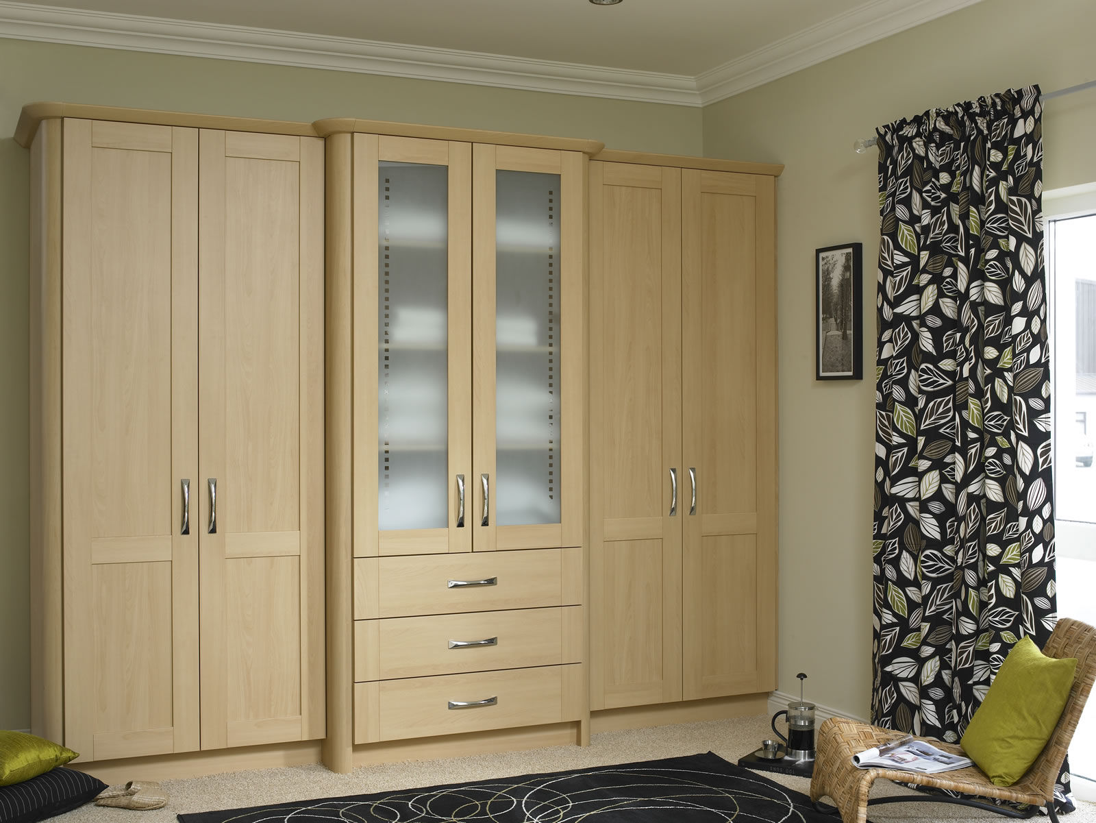 Custom carpentry fitted kitchens wardrobes office for Kitchen wardrobe