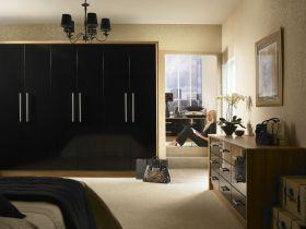 Duleek Black Gloss with Light Tiepolo Bedroom