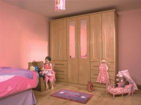 Ribbed Shaker Sandy Birch Bedroom